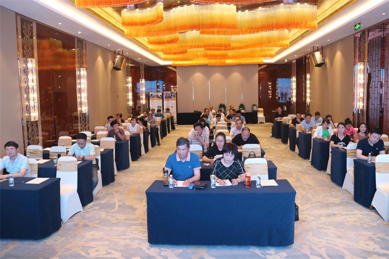我商会和扬州市高邮商会联合举办法律﹑税务知识培训班