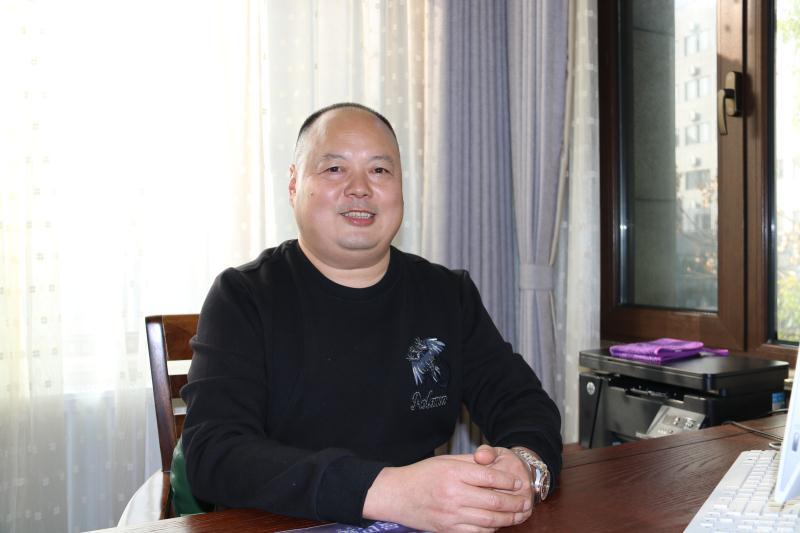 走访常务理事单位扬州品冠物业管理有限公司